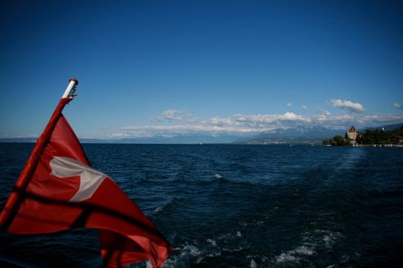 yvoire-leman-drapeau-suisse